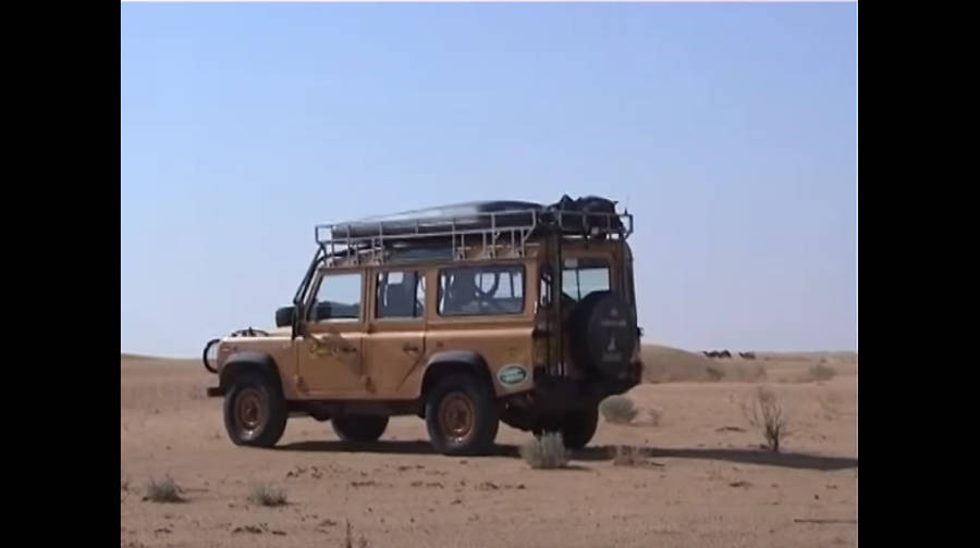 Neues Video: A short film for a particular Camel Trophy Defender - Der Land Rover Treff