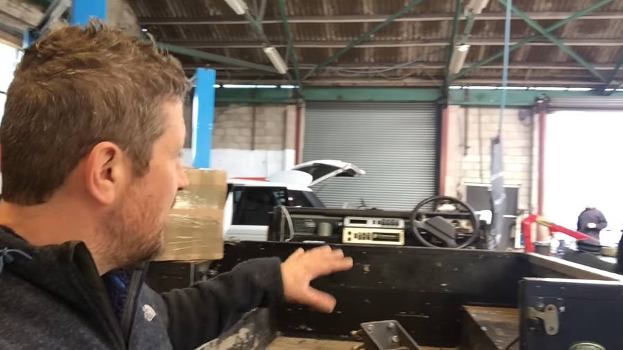 Neues Video: Land Rover Defender 90 Project builds Part 2 - Der Land Rover Treff