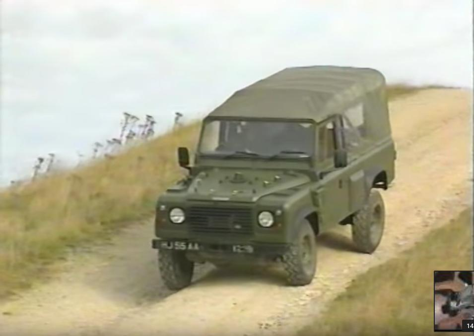 Neues Video: Land Rover Defender Wolf Sankey Trailer On Road and off Road Driving. British Army Training Part 2 auf Der Land Rover Treff